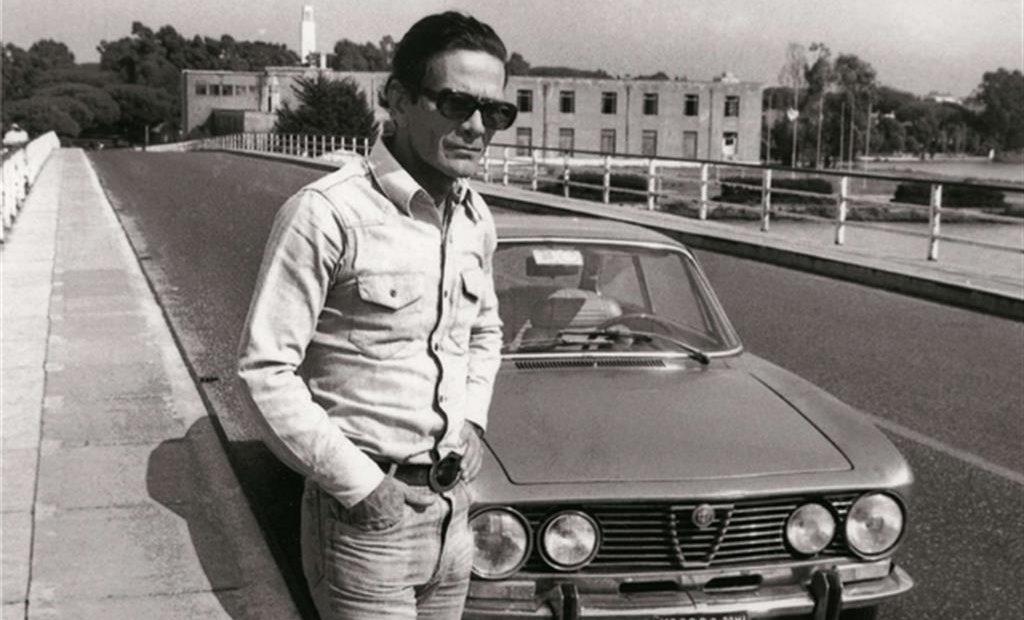 """L'Alfa GT di Pasolini esiste ma non si trova. Misteri e segreti dell'auto  d'epoca più """"attesa"""" d'Italia - Patrimoni e Finanza"""
